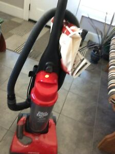 Dirt Devil Stand up vacuum