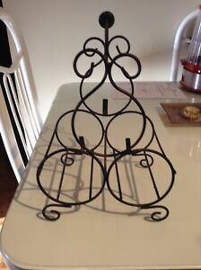 Cute little wine rack