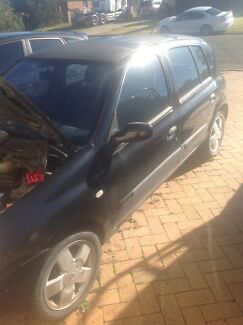 Renault Clio 2000 modell