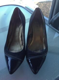 Black court shoes Terrigal Gosford Area Preview