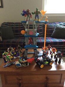 Rescue Heroes (14) & Command Centre $25
