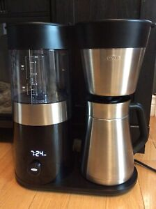 Oxo coffee brewer / maker