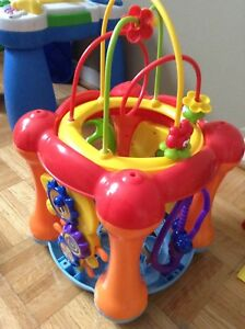Baby or toddler musical toy Infantino