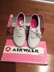 Brand New Ladies/ Woman's Airwalk Shoes for Sale