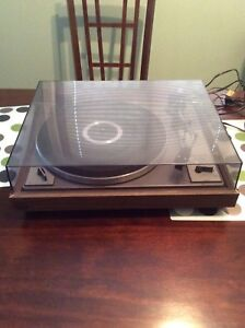 Realistic r8010 turntable