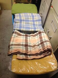 BLANKETS - LINENS - BEDDING FOR SINGLE BEDS NEW/USED