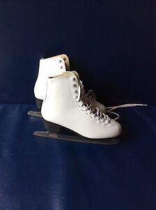 Girls White figure Skates Size 6