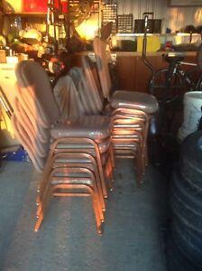 10 chaises réception