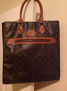 Sac plat inspiration Louis Vuitton