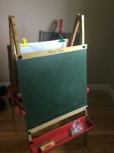 HOURS OF PLAY ..LIKE NEW MELISSA & DOUG EASEL