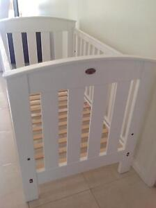 Baby cot/ toddler bed Roxburgh Park Hume Area Preview
