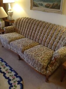 Must go!!!!! Vintage sofa