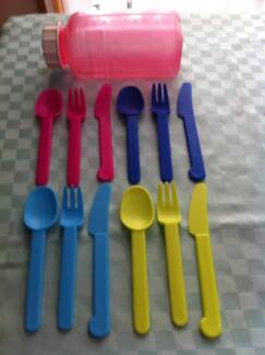 NEW SET OF PLASTIC CUTLERY IN DECOR STORAGE BOTTLE