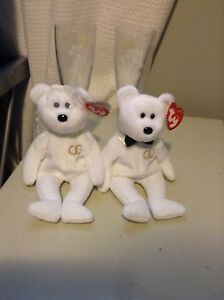 Ty Bride and Groom bears with set of wedding champagne glasses