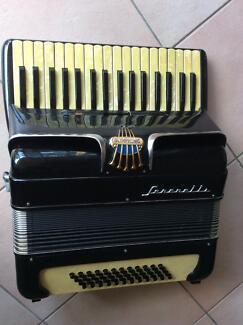 ITALIAN Vintage Piano Accordian c1960s OLYMPHONIC Serenelli