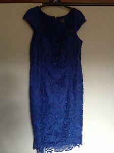 Beautifull lace dress size 16