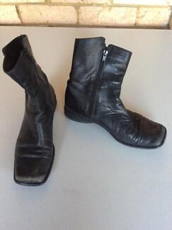 Size 8 Short Boots Wahroonga Ku-ring-gai Area Preview