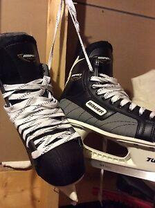 Men's Bauer skates