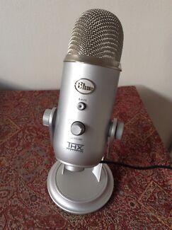 Blue Microphones Yeti Microphone, USB