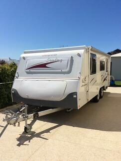 Jayco sterling 18.5ft pop top caravan with shower and toilet Mindarie Wanneroo Area Preview