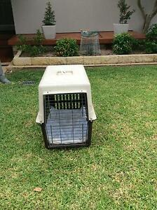 Medium sized dog crate Heathcote Sutherland Area Preview