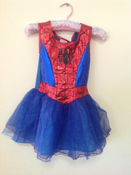 Five Girls Costume Dresses & Peppa Pig Dressing Gown age 3 - 5 ...