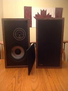 EPI Epicure Products, Inc Speakers Model 100V Cambridge Kitchener Area image 1