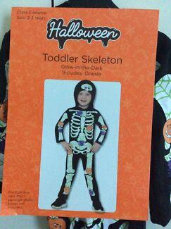 Unisex HALLOWEEN Skeleton Glow-In-The-Dark Onepiece Size 2-3 Years