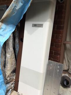 Gas wall heater