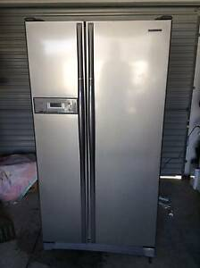 Silver finish side by side fridge for sale Jindalee Wanneroo Area Preview