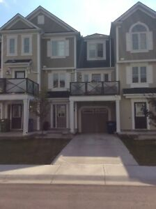 Beautiful Townhouse in Airdrie for Rent Available OCTOBER 1st