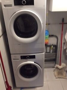 Whirlpool washer and dryer excellent condition