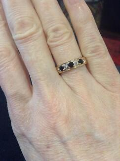 9ct yellow gold, diamond and sapphire ring. Eaton Dardanup Area Preview