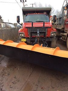 Gmc plow truck only 86,000 km