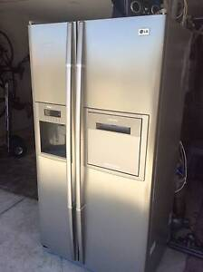 Stainless steel side by side fridge for sale with drinks hatch Jindalee Wanneroo Area Preview