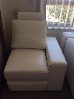 White Massage Chair Pooraka Salisbury Area Preview