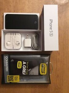 MINT Space Grey 16GB iPhone 5S on Telus network