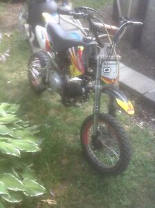 Appllo mxr 125 pit bike