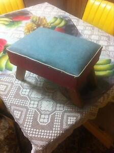 Very cool retro vintage funky foot stool Wallaroo Copper Coast Preview