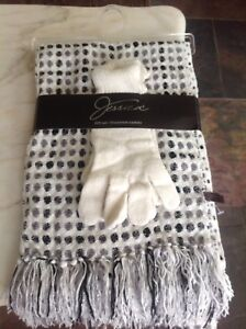 Jessica scarf and gloves