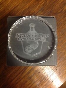 WATERFORD CRYSTAL 2008 DETROIT RED WINGS STANLEY CUP PUCK