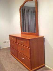 Dressing table Cleveland Redland Area Preview