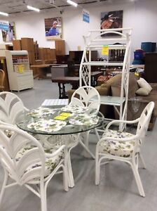 White Wicker Dining Suite