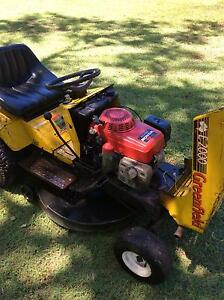Ride On Mower E2000 Greenfield Stuart Townsville City Preview