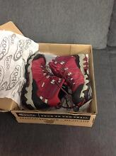 Women's waterproof hiking boots size 8.5 Grafton Clarence Valley Preview