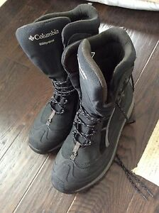 Columbia Boots 600 Grams Omni-Tech Insulated - Brand New