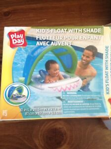 Kids pool float with shade