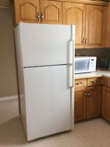 REFRIGERATOR FOR SALE—-