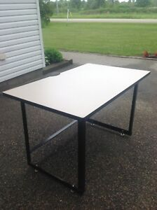"""*** SOLID 4 FT x 29.5  30"""" INCH 30"""" HIGH TABLE ***"""