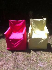2 FOLDING SOUWESTER CHAIRS PLUS COVERS VGC Coolum Beach Noosa Area Preview